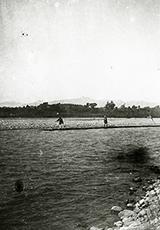 多摩川の筏流し(明治40年代)